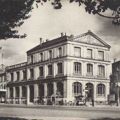 Raymon 262 - Montreuil - L'Hôtel des Postes