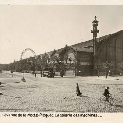 Rose 254 - L'avenue de la Motte-Picquet - Galerie des Machines