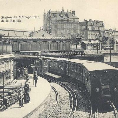 Royer Nancy 139 - Station du Metropolitain Place de la Bastille