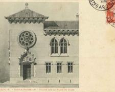 Temple Protestant - Façade sur la Place du Salin