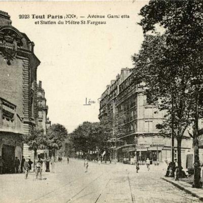 Tout Paris 2023 - Avenue Gambetta et Métro St-Fargeau