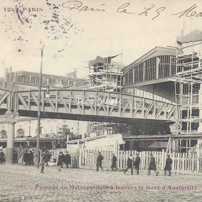Tout Paris 292 - Passage du Métropolitain à la Gare d'Austerlitz