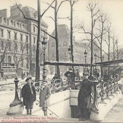 Tout Paris 492 - Nouvelle Sortie du Métro Place de la République
