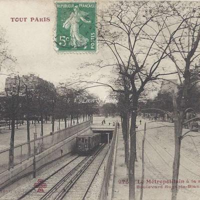 Tout Paris 976 - Le Metropolitain à la sortie du Tunnel