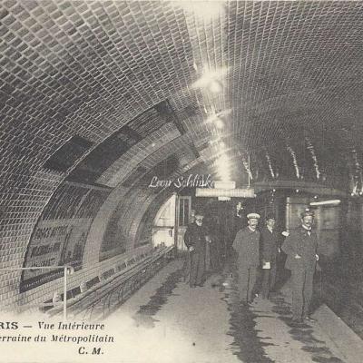 CM 450 - Vue intérieure d'une Gare Souterraine