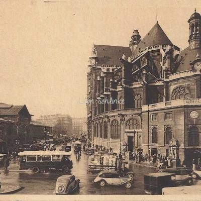 Yvon 203 - Eglise St-Eustache et les Halles