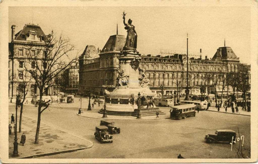 YVON 309 - PARIS - Place de la Republique (1)