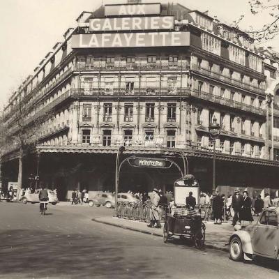 YVON I.B.3 - Vue générale des Grands Magasins des Galeries Lafayette